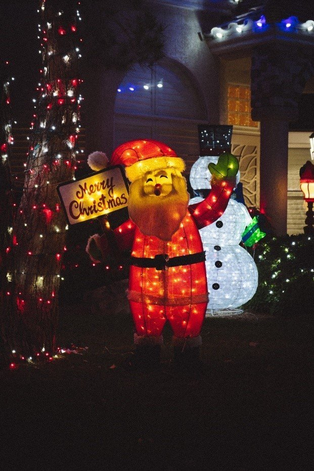 With a Christmas signage, you can greet neighbors 24/7.
